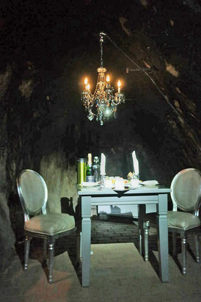 fantasy-dining-pa-riktigt-683x1024
