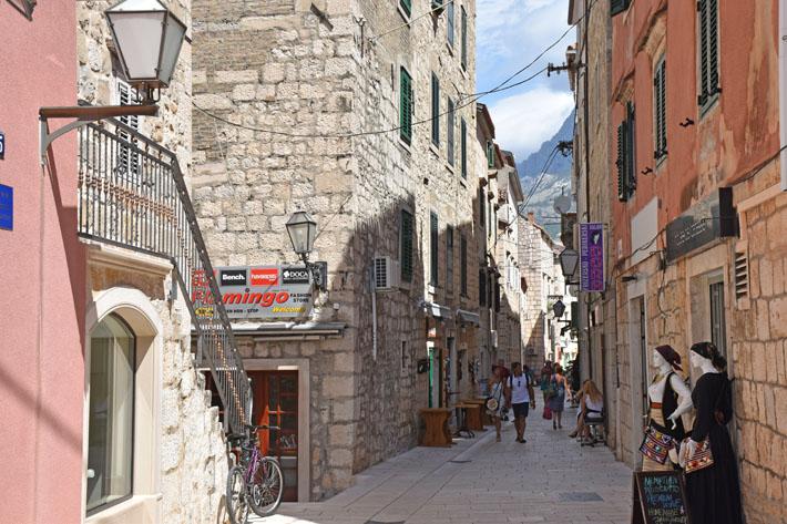 Makarska Rivierans gränder – Delikatesser, vin och mysiga uteserveringar