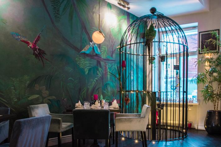 """Parrot Minibar- En """"Dinner time flight"""" från Tallinn till Amazonas"""