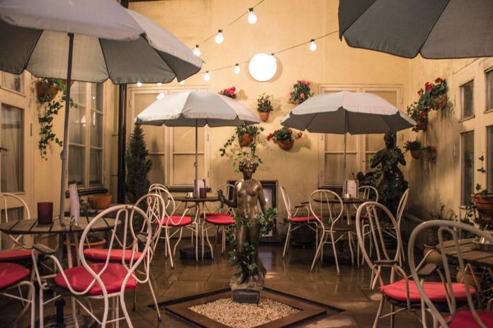 Bo feminint och romantiskt på Lady Hamilton Hotel i Gamla stan
